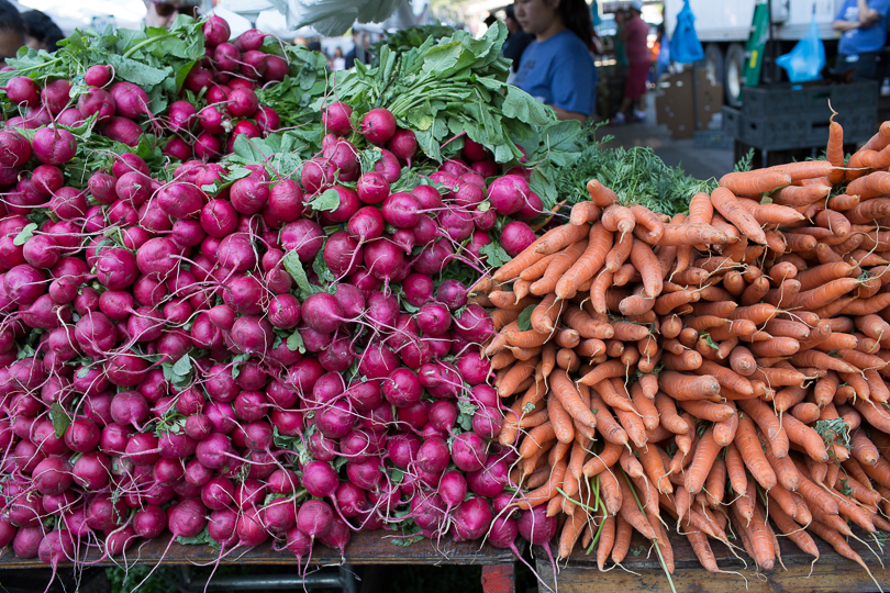 carrots-radishes-market-nancymoon-6724