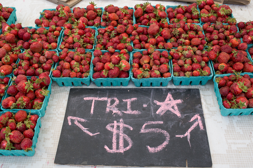 strawberries-market-nancymoon-6699